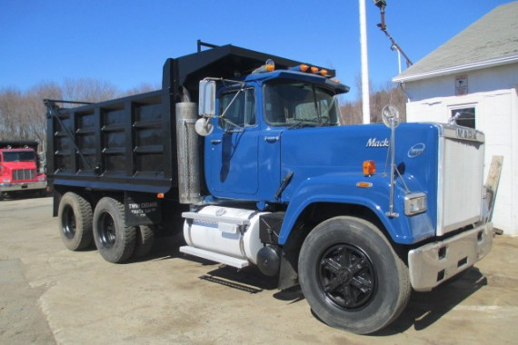 1991 Mack Superliner (2)